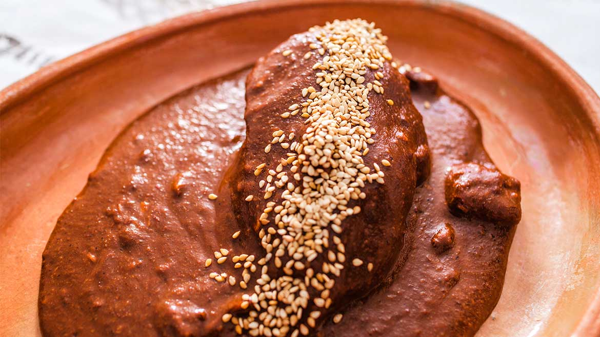 CHICKEN MOLE/CHICKEN HOMEMADE MOLES